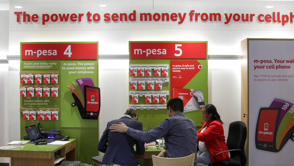 Dans une boutique du groupe Vodacom à Johannesbourg en Afrique du Sud. (Image d'illustration).
