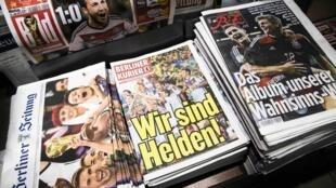 La  prensa alemana saluda únanimemente la victoria de la Mannschaft en la Copa del Mundo, Brasil 2014.