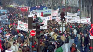 Manifestation du 7 décembre 1995 à Paris à l'occassion de la réforme des retraites du gouvernement Juppé.