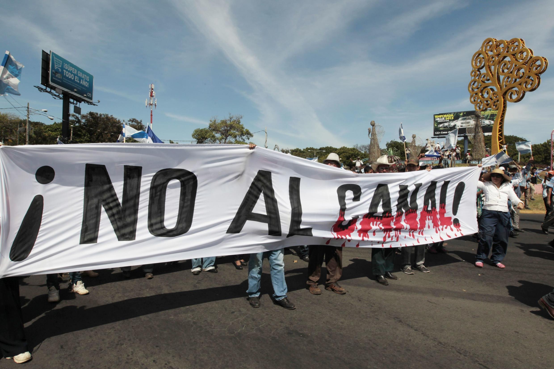 Manifestantes expresan en Managua su oposición al canal, el 10 de diciembre de 2014..