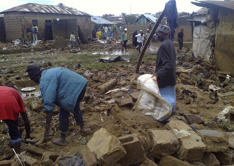 Déjà au mois de juillet, les pluies diluviennes étaient meurtrières et avaient provoqué d'importants dégâts.   Jos, le 24 juillet 2012.