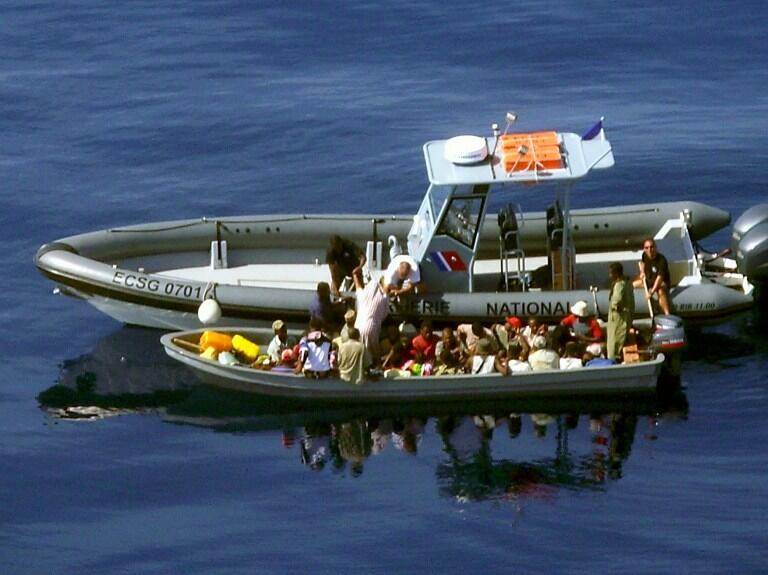 Police intercept a boat smuggling migrants to Mayotte