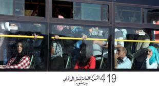 大馬士革乘坐公交車的民眾