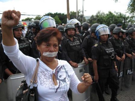 Manifestation contre le coup d'Etat, devant l'université de Tegucigalpa, septembre 2009