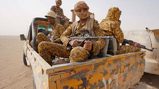 Heavy fighting has raged near the Yemeni city of Marib as Huthi rebels press their offensive on the government's last northern toehold