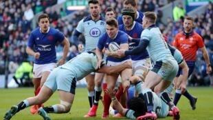 Le XV de France d'Antoine Dupont s'est incliné contre l'Écosse à Edimbourg (28-17), le 8 mars 2020, dans le Tournoi des VI Nations.