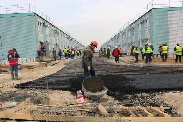 sur le chantier de l'hôpital en construction à Moscou pour accueillir les malades du Covid-19, le 13 avril 2020.