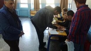 Voting in Ankara's Seyranbaglar district