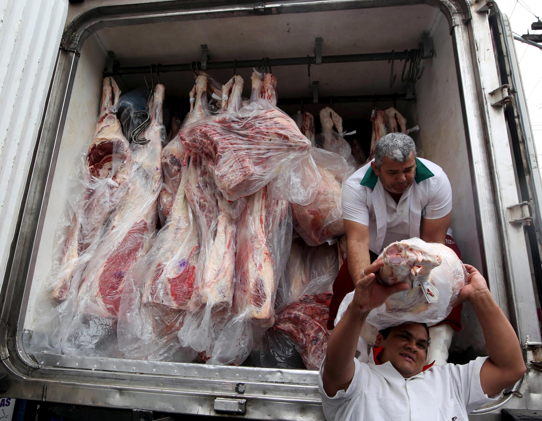 Vận chuyển thịt tại Sao Paulo, Brazil, ngày 03/06/2015.