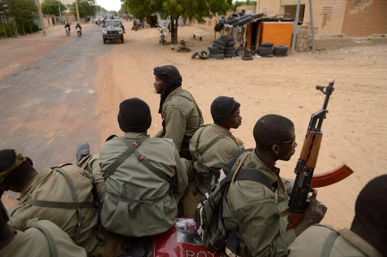 Soldats maliens dans les rues de Tombouctou.