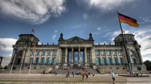Vista geral do Bundestag, o parlamento alemão, onde será votada nesta segunda-feira a ajuda à Grécia.