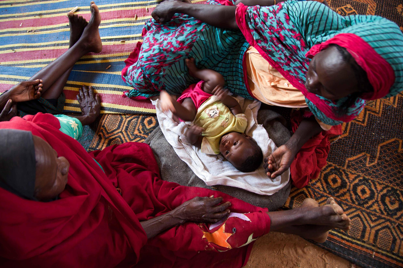 Camp de personnes déplacées dans l'école d'al-Salam. Sud-Darfour, Soudan. 9 mars 2014.
