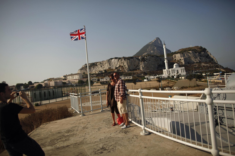 Gibraltar é um pedaço do Reino Unido encrustado no sul da Espanha.