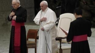Papa Francisco admite união civil de homossexuais.