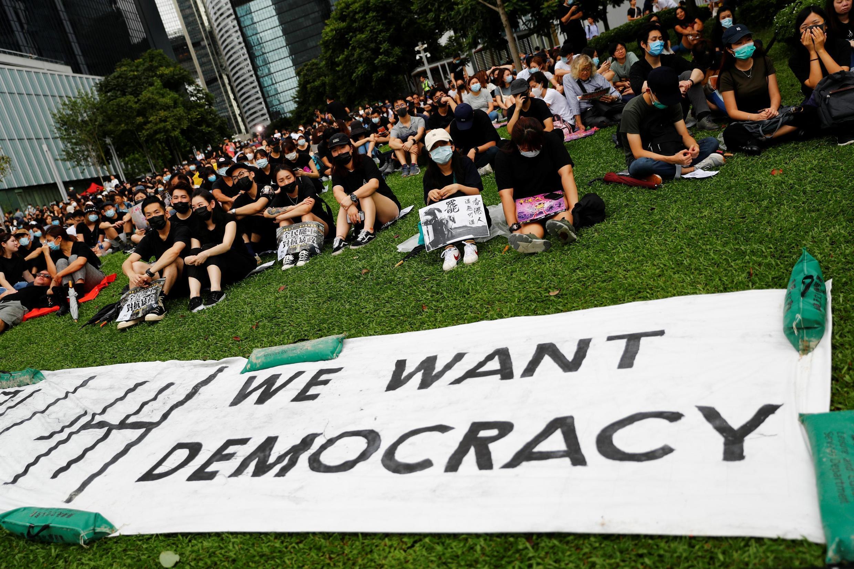 Protesto no Parque Tamar em frente aos edifícios do governo em Hong Kong, em 2 de setembro de 2019.