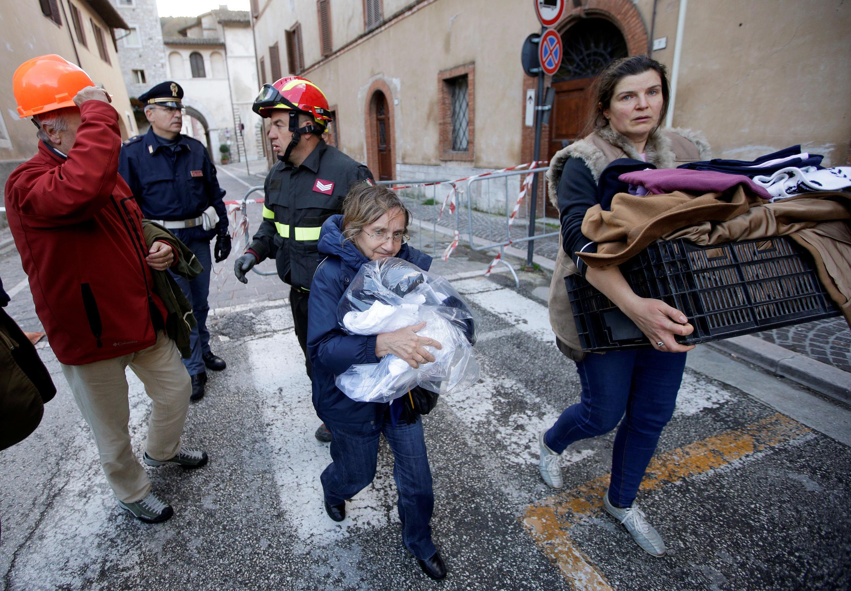 Desabrigados em Visso, na Itália