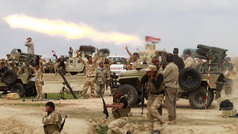 Các chiến binh si-ai chiến đấu bên cạnh quân đội Irak để tái chiếm Tikrit.