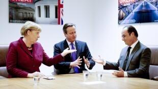 Angela Merkel, David Cameron e François Hollande na cúpula em Bruxelas