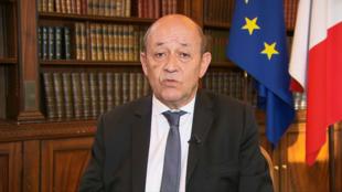 وزیر امور خارجه فرانسه در گفتگو با شبکه خبری بافام تیوی، از تصمیم واشنگتن مبنی بر برقراری اقدامات تنبیهی علیه ایران به شدت انتقاد کرد