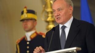 Президент Молдовы Николай Тимофти (на фото) пошел навстречу парламентскому большинству и утвердил демократа Павла Филипа в качестве кандидата на должность премьер-министра.
