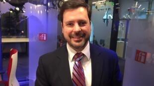 Pedro Saldanha, Ministro-conselheiro da Embaixada do Brasil em Paris