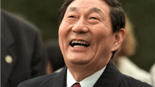 圖為中國前總理朱鎔基會議照