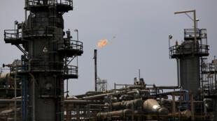 A OPEP vai reduzir em quase 10 milhões de barris por dia sua produção para estabilizar os preços durante a pandemia da Covid-19..