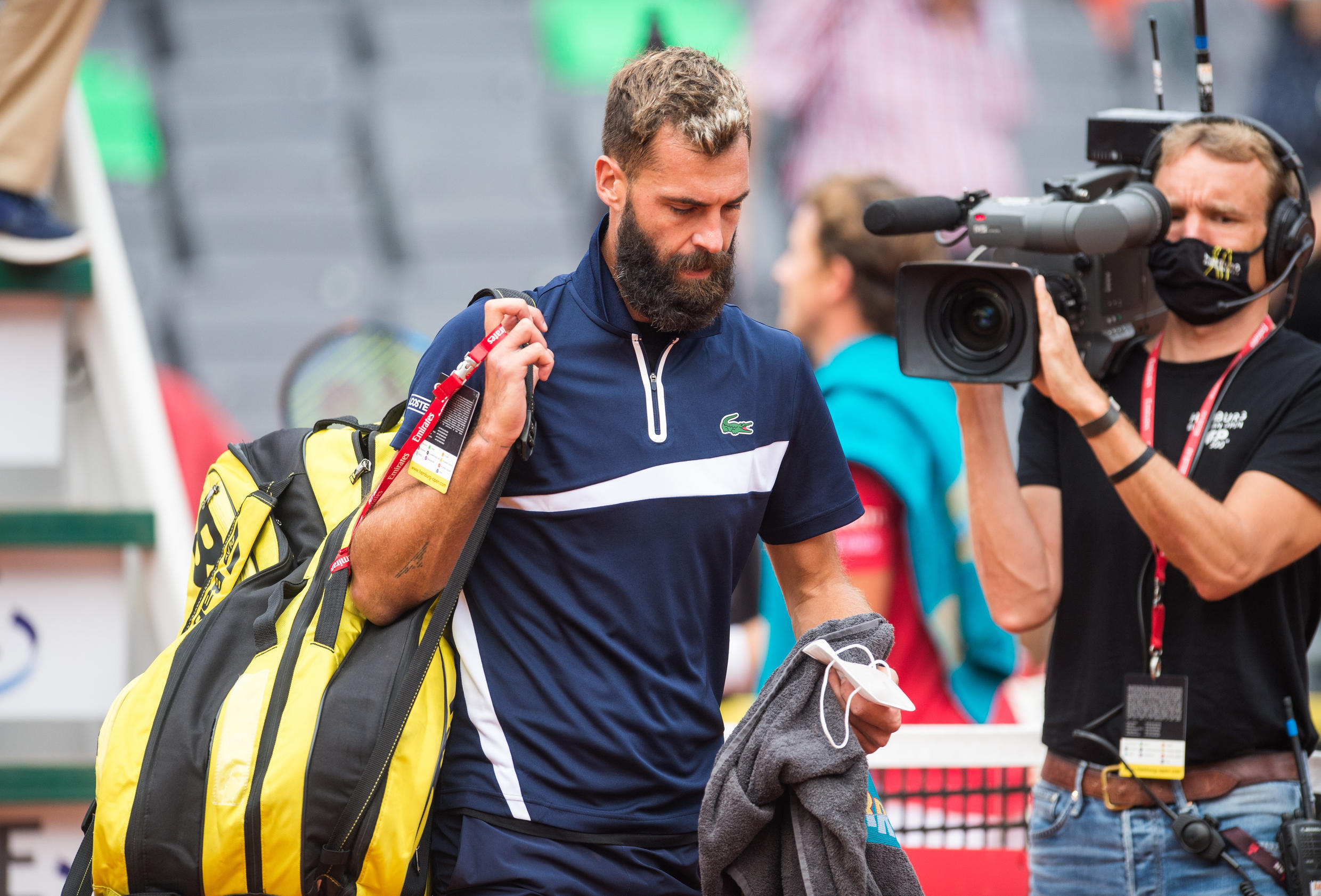 Benoit Paire leaves the court at the ATP tournament in Hamburg after retiring during first-round match against Casper Ruud of Norway (File photo/September 2020)