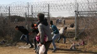 La situación se complica en la frontera entre Grecia y Turquía tras el anuncio del mandatario turco Recepp Tayip Erdogan.