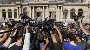 «Mêlée» de journalistes devant le Conseil d'Etat, le 26 août 2016, qui rendait une décision sur le burkini, vêtement de bain islamique, qui devrait faire jurisprudence.