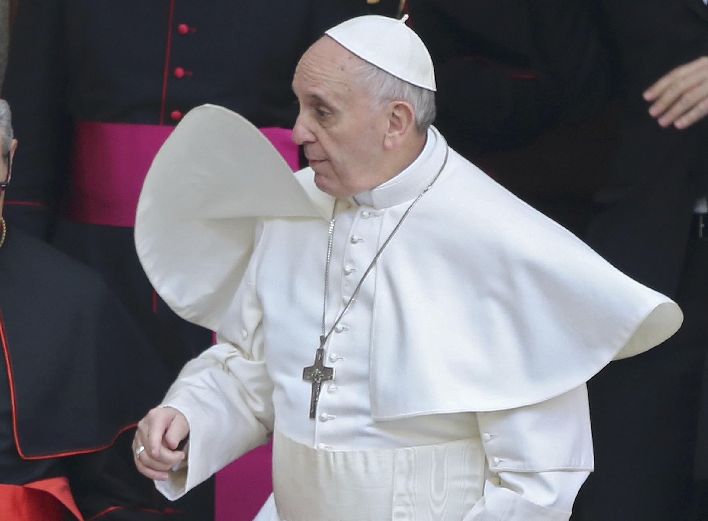 Tân Giáo hoàng Phanxicô rời Thánh đường  Santa Maria Maggiore ở Roma. Ảnh chụp ngày  14/03/2013.