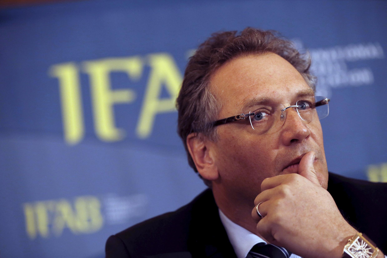 Генеральный секретарь ФИФА Жером Вальк мог способствовать переводу 10 млн долларов на счета, к которым имел доступ бывший вице-президент ФИФА Джек Уорнер, также подозреваемый в коррупции.
