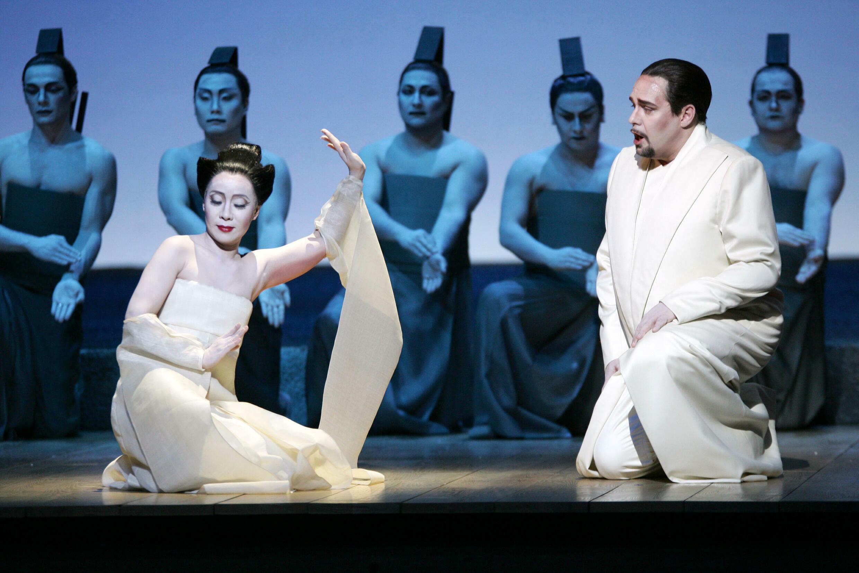 """La mise en scène de Wilson de Buchini """"Madame Papillon"""" A l'Opéra Bast en 2016"""