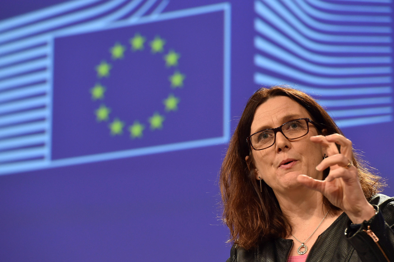 Comissárias europeia do comércio, Cecilia Malmström, em Bruxelas a de 7 março de 2018 sobre lista de produtos americanos que poderão ser taxados