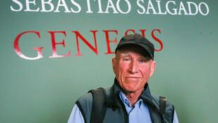 Le photographe Sebastiao Salgado, lors de la conférence de presse consacrée à l'exposition Genesis.