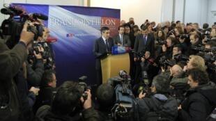 Cựu Thủ tướng Pháp François Fillon trong cuộc họp báo tại Paris ngày 27/11/2012.