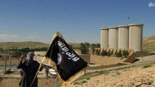 El Estado Islámico ingresa cada mes 80 millones de dólares en los territorios bajo su control.