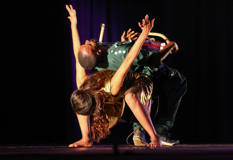 Le festival de danse a vu se produire des troupes de danseurs handicapés, visuel et moteur.