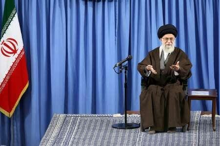 رهبر جمهوری اسلامی ایران  کسانی را که مدعی دور کردن سایه جنگ از کشور هستند مورد انتقاد قرار داد و گفت این سخنان درست نیست
