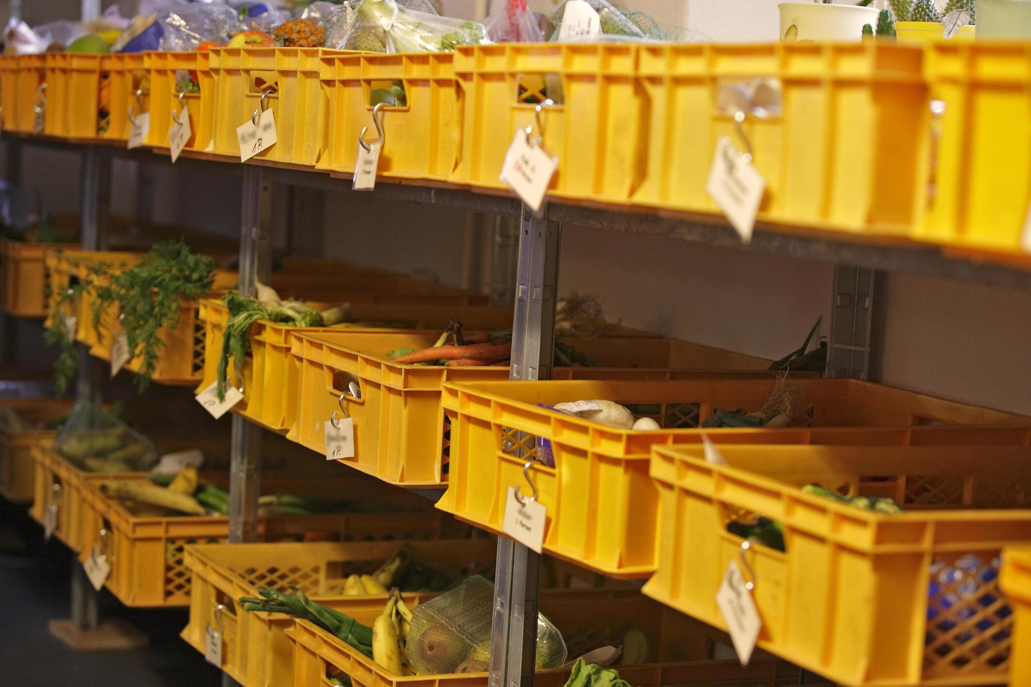 Die Tafel distribue des denrées alimentaires aux plus démunis dans toute l'Allemagne.
