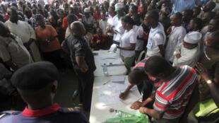 Lagos, 16 avril 2011. Le décompte des votes de la présidentielle.