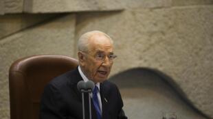 Le président Shimon Peres devant la Knesset à la fin de son mandat. Jérusalem, le 24 juillet 2014.