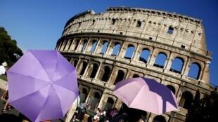 O Coliseu é o monumento mais visitado de Roma.