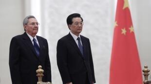 Raul Castro et Hu Jintao, le 5 juillet 2012 à Pékin.