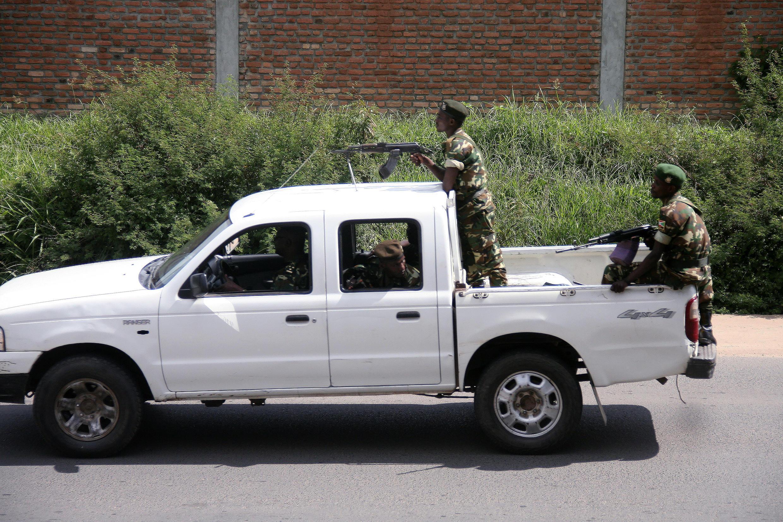 Une patrouille de militaires dans le quartier de Musaga, ce vendredi 11 décembre 2015, à Bujumbura.