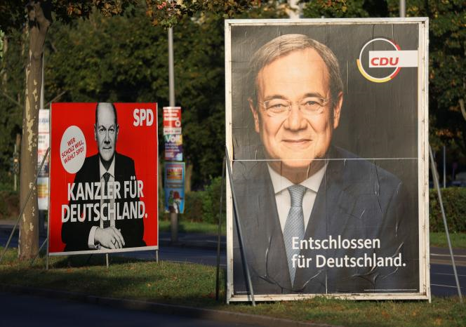 663c4dc_gggchm140902-germany-election-election-poster-0914-11