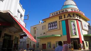 Le cinéma «Rialto» à Casablanca construit en 1930 par Pierre Jabin. Il ne reste plus que quelques dizaines de salles de cinema au Maroc.
