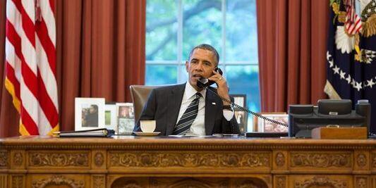 طرح نظارت کنگره آمریکا بر توافق نهایی احتمالی با ایران که قبلاً توسط مجالس سنا و نمایندگان آمریکا تصویب شده بود، برای قانونی شدن بدون انجام هیچ مراسمی در کاخ سفید به امضاء ریاست جمهوری آمریکا رسید