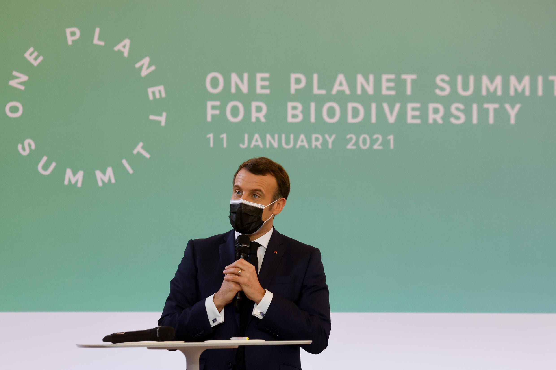 El presidente francés, Emmanuel Macron, habla durante la cumbre sobre biodiversidad One Planet Summit, el 11 de enero de 2021 en el palacio del Elíseo, en París
