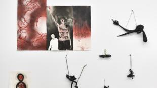 Annette Messager «À mon seul désir». Vue de l'exposition à la Librairie Marian Goodman, du 8 décembre 2016 au 14 janvier 2017. Courtesy Marian Goodman Gallery.